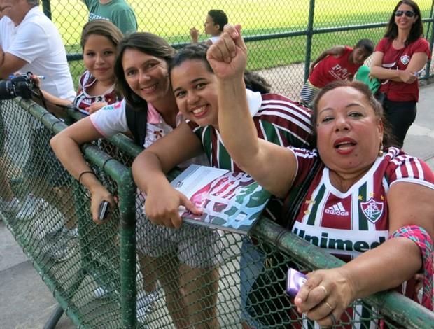 Torcedores no treino do Fluminense (Foto: Edgar Maciel de Sa)
