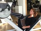 Marina Ruy Barbosa pega pesado no treino de perna