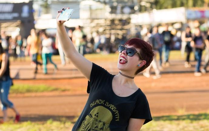Pausa para a selfie no João Rock 2016 (Foto: Érico Andrade/Gshow)