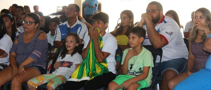 Torcida acompanha em Teresina Sarah Menezes (Foto: Joana D'arc Cardoso/GloboEsporte.com )