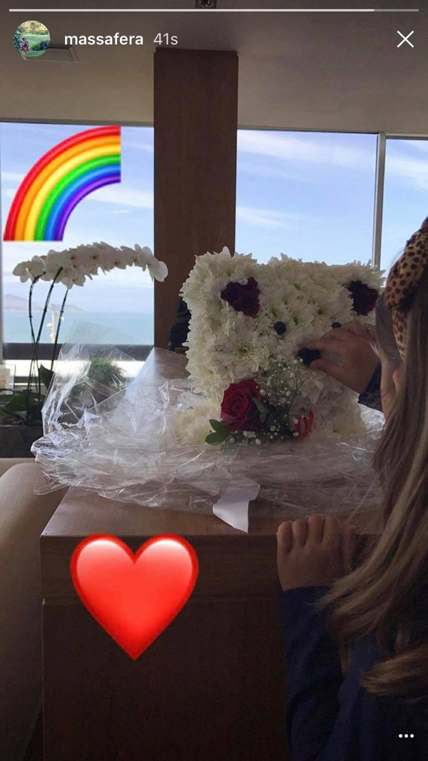 Sofia, filha de Grazi Massafera, recebe presente no aniversário (Foto: Reprodução / Instagram)