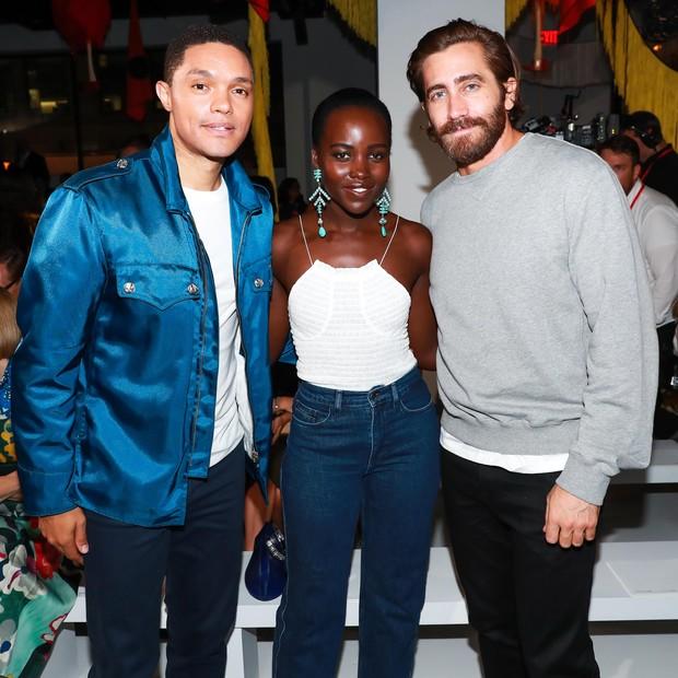 Trevor Noah, Lupita Nyong'o e Jake Gyllenhaal (Foto: Billy Farrell)