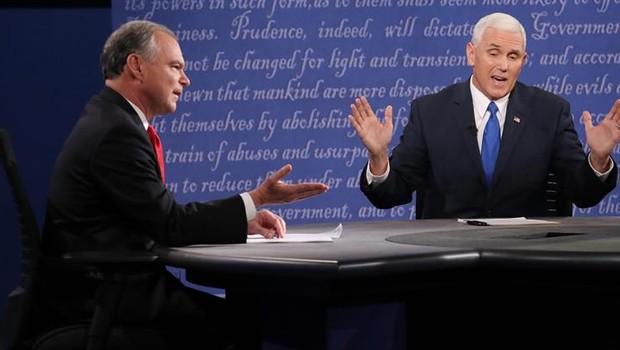 Tim Kaine e Mike Pence durante debate (Foto: EFE)