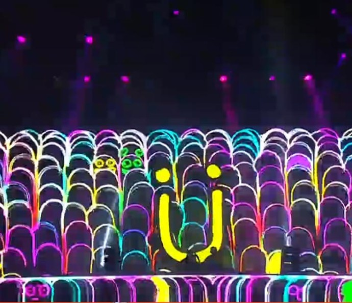 Muita cor no palco do Jack Ü (Foto: Gshow)