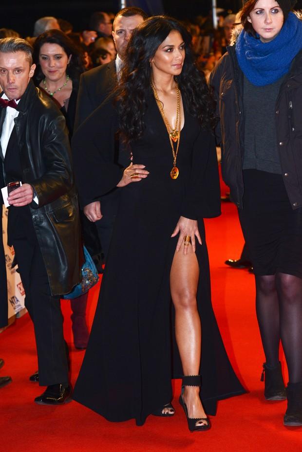 Nicole Scherzinger arrasa com vestido com fenda enorme (Foto: Getty Images)