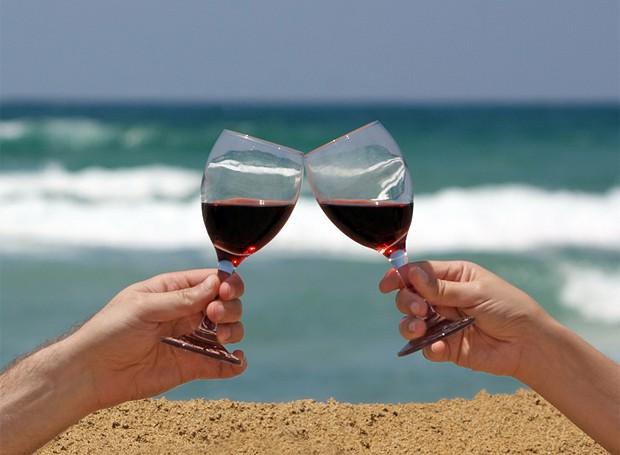 Vinho e verão? Sim! (Foto: Stock Photos)