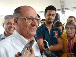 Governador Geraldo Alckmin esteve em Mogi das Cruzes neste sábado (20) por causa das obras de desassoreamento do Rio Tietê (Foto: Maiara Barbosa/G1)
