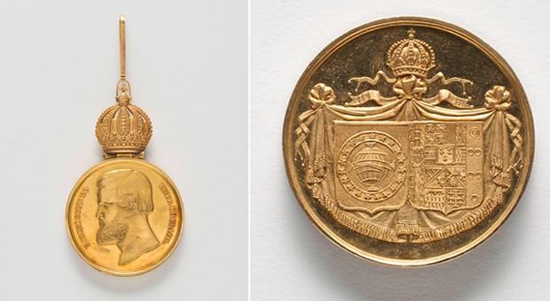 Medalha Campanha do Uruguay (1952) e Medalha do casamento de D.Pedro II e Tereza Cristina (1843) (Foto: Edouard Fraipont)