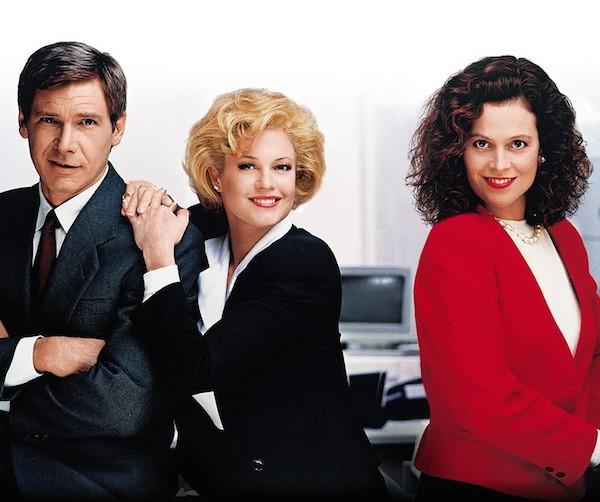Harrison Ford, Sigourney Weaver e Melanie Griffith como os protagonistas de Uma Secretária do Futuro (1988) (Foto: Reprodução)