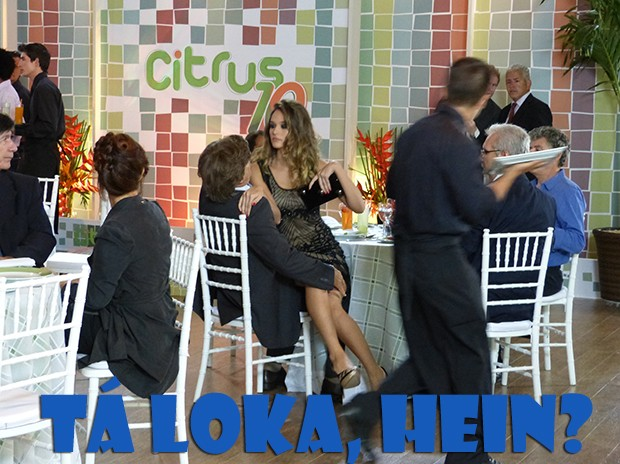 Deu a loka na Fatinha! (Foto: Malhação / TV Globo)