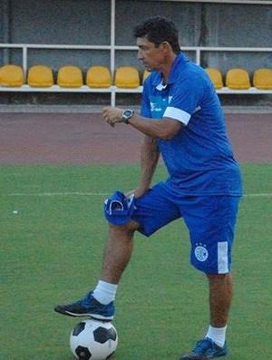 Betinho, técnico do Confiança (Foto: Cley Albuquerque)