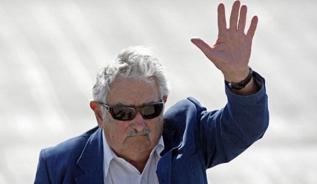 Jose Mujica, em visita ao Chile, no dia 25 deste mês (Foto: Luis Hidalgo/AP)