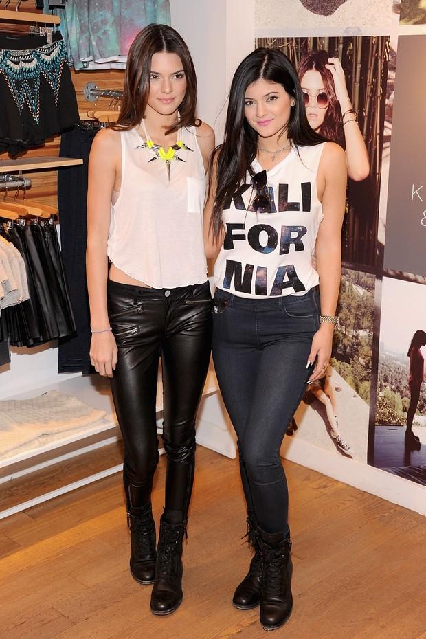 Kendall e Kylie Jenner lançam coleção para loja multimarcas nos EUA (Foto: Jamie McCarthy / Getty Images)