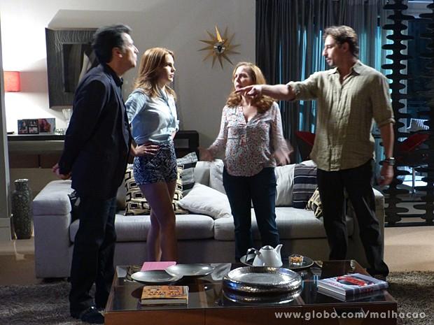 Caetano e Ronaldo discutem por causa de namoro de Ben e Anita  (Foto: Malhação / TV Globo)