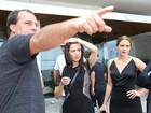 Marjorie Estiano e Leandra Leal gravam 'vestidas para matar' na Zona Sul do Rio