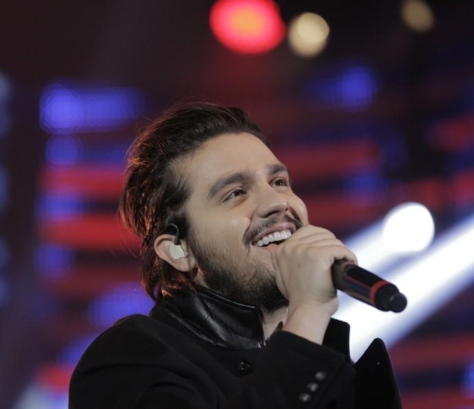 Luan Santana canta no palco do 'Domingão' (Foto: Inácio Moraes/ Gshow)