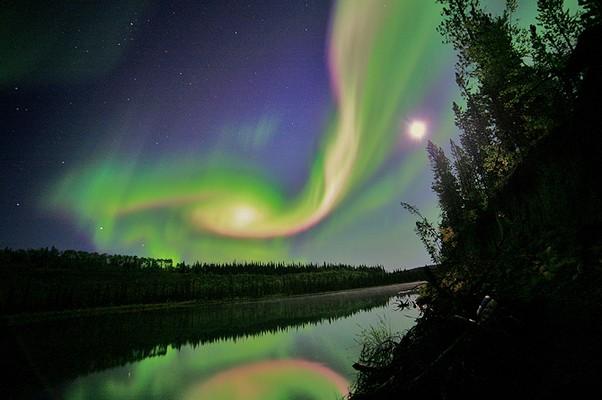 Aurora registrada em 3 de setembro em Whitehorse, no Canadá (Foto: Divulgação/Nasa)