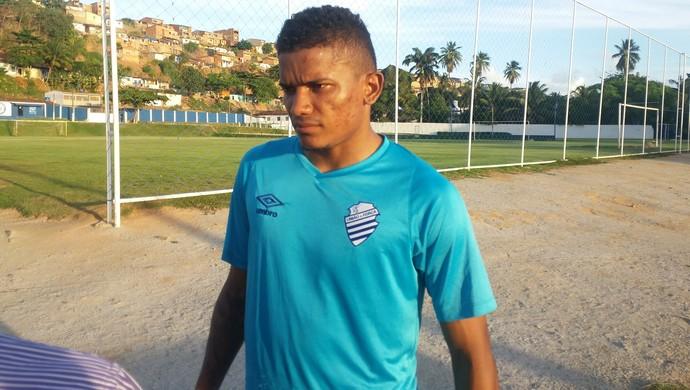 Luís Soares, atacante do CSA (Foto: Augusto Oliveira/GloboEsporte.com)