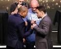 FOTOS: Estrelas do UFC 200 se encaram pela primeira vez
