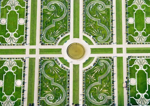 Vista aérea do jardim de Herrenhausen, em Hannover (Foto: Julian Stratenschulte/DPA/AFP)