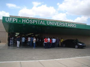 Hospital Universitário da Universidade Federal do Piauí levou quase 23 anos para ser concluído (Foto: Gilcilene Araújo/G1)