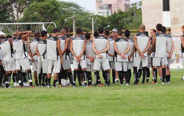 Treino do Treze, jogadores reunidos, PV, técnico Vica (Foto: Magnus Menezes / Jornal da Paraíba)