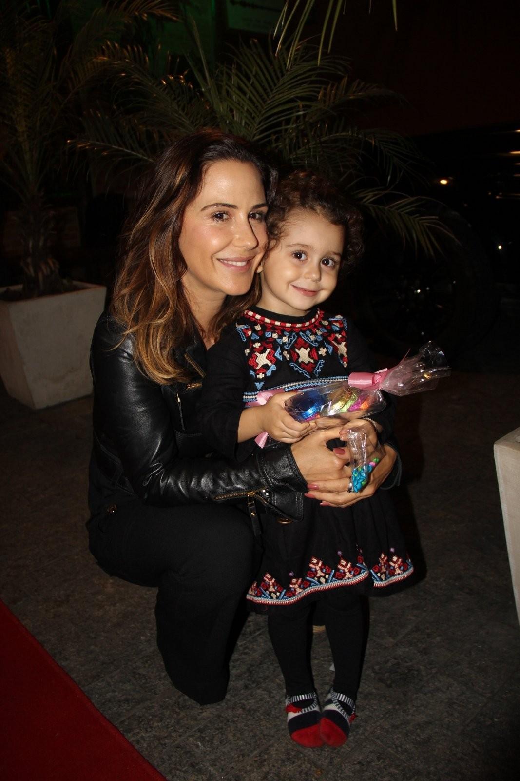 Guilhermina Guinle com a filha Mina (Foto: AgNews)