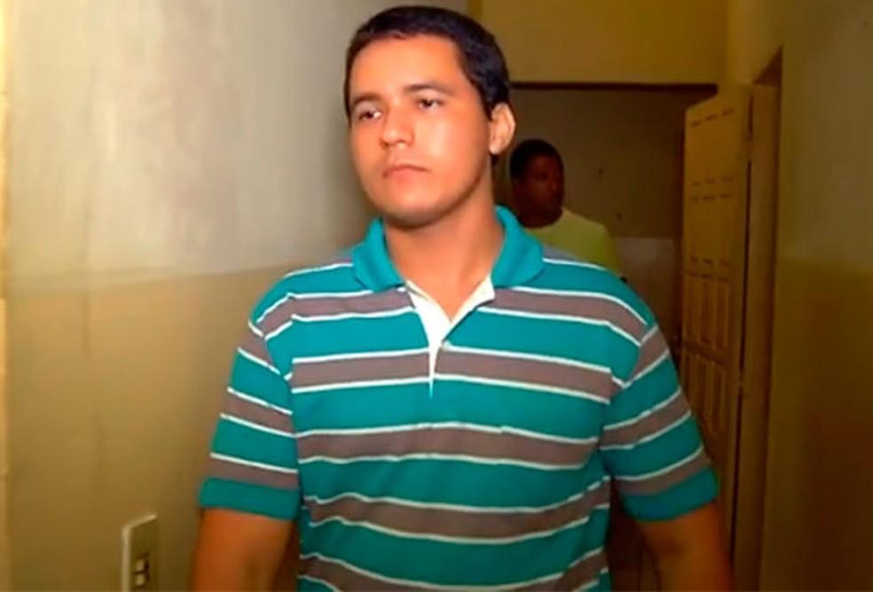 Tenente da PM Iranildo Félix,  principal suspeito do crime, foi encontrado morto em dezembro de 2015 dentro de um quartel onde estava preso (Foto: Reprodução/Inter TV Cabugi)