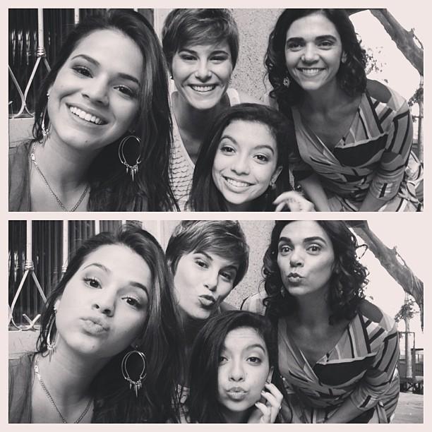 Bruna MArquezine e elenco de Slave Jorge (Foto: Reprodução/ Instagram)