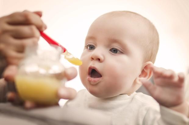 O preparo da papinha é um dos primeiros dilemas dos pais (Foto: Thinkstock)