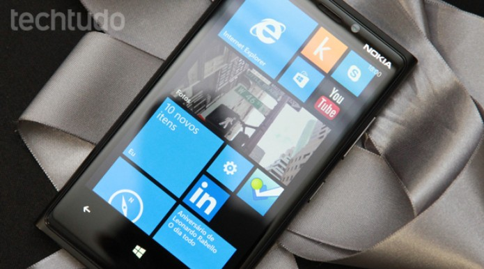 Nokia Lumia 920 vem com o Windows Phone 8 (Foto: Allan Melo / TechTudo)