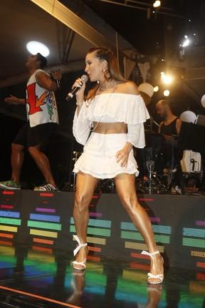Claudia Leitte em show em Salvador, na Bahia (Foto: Fred Pontes/ Brazil News)