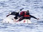 Madonna 'se joga' em jet ski e Lourdes mostra corpão de biquíni