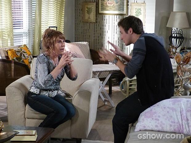 Danilo conta segredo de Jonas para a avó (Foto: Geração Brasil / TV Globo)
