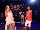 Vina Calmon canta com Levi Lima em show em Salvador