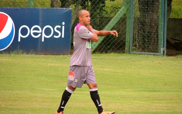 Ricadinho chega ao Figueirense e treina (Foto: Paulo Evangelista)