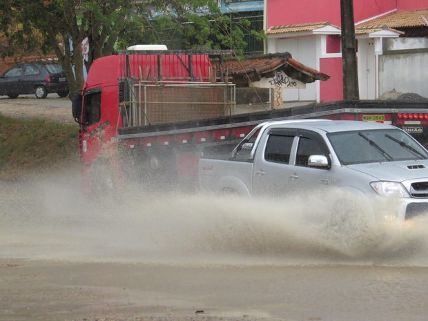 Chuva São Pedro da Aldeia (Foto: Renato Cosme/Arquivo pessoal)
