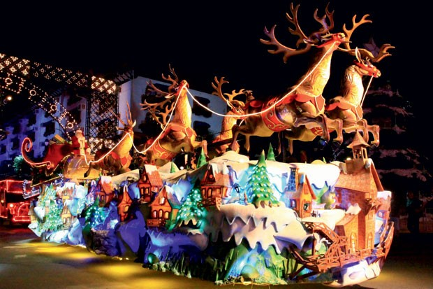 Parada de Natal em gramado (RS). (Foto: Divulgação)