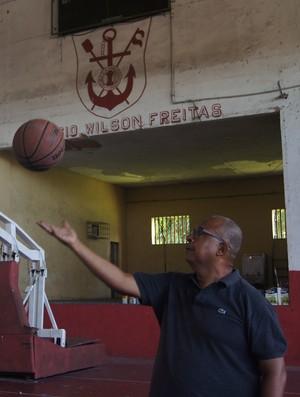 Alarico Duarte, primeiro técnico de Anderson Varejão no basquete (Foto: Thierry Gozzer)