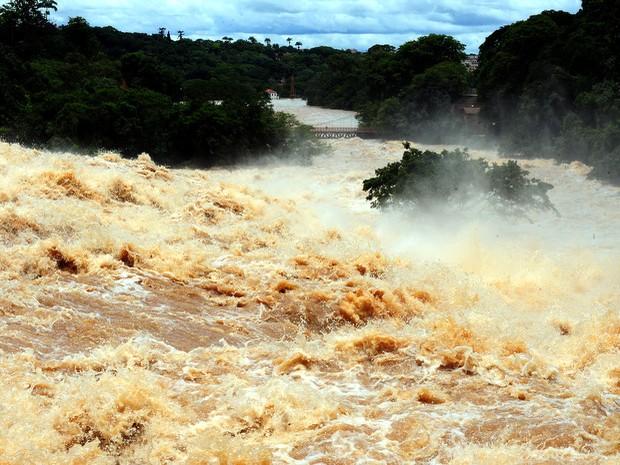 Rio Piracicaba em foto tirada no dia 7 de janeiro de 2011 (Foto: Mateus Medeiros/acervo pessoal)