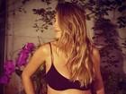 Felipe Andreoli posta foto de Rafa Brites exibindo o barrigão da gravidez