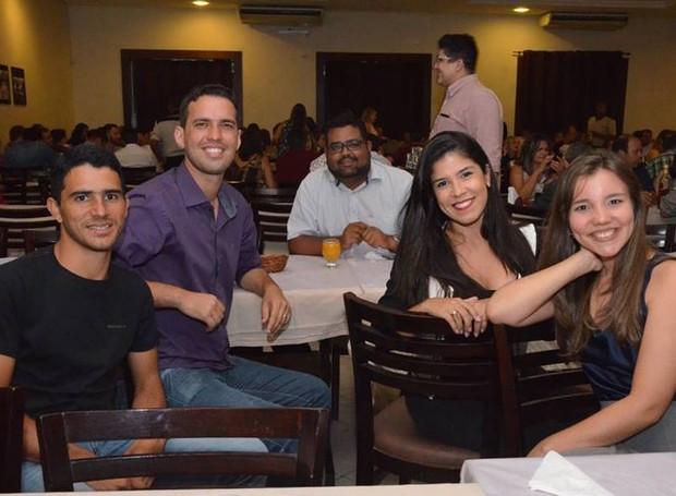 Repórteres e cinegrafistas da TV Asa Branca em confraternização (Foto: Divulgação/TV Asa Branca)