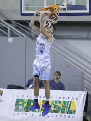 Léo Demétrio espera jogo difícil no Rio de Janeiro (Foto: Orlando Bento/MTC)