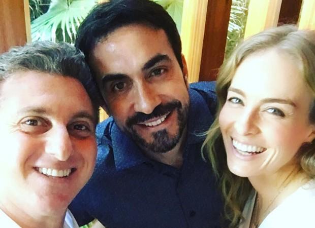 Luciano Huck, padre Fábio de Melo e Angélica (Foto: Reprodução/Instagram)