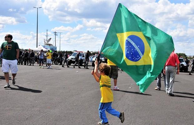 Em Brasília, manifestantes protestaram contra a corrupção no Brasil e contra a Copa das Confederações (Foto: Paula Fróes / Agência Bapress / Agência OGlobo)