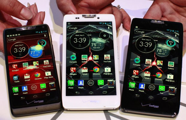 Os novos smartphones da Motorola: Droid Razor M, Droid Razor HD and the Droid Razor Maxx HD (Foto: Brendan McDermid/Reuters)