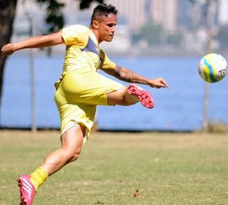 Edu treino São Gonçalo (Foto: Alexandre Durão / Globoesporte.com)