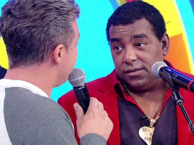 Luiz Carlos, vocalista do Raça Negra, conta como lidou com a primeira vez da filha (Foto: TV Globo)