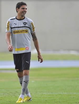 Bolivar no treino do Botafogo (Foto: Fernando Soutello/AGIF)