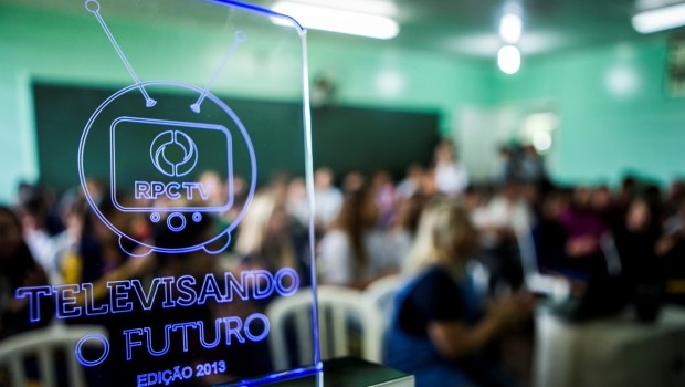 Projeto beneficiou mais de 400 mil alunos em 960 escolas de todo o Paraná (Foto: Divulgação/RPCTV)